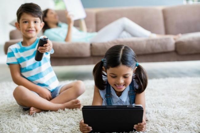 Menghindari Dampak Negatif Internet Pada Anak, Orangtua Perlu Lakukan Hal Ini