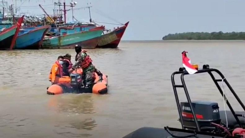 Keasyikan Selfie di Dermaga Wisata Panton, Wisatawan Jatuh ke Laut dan Hilang