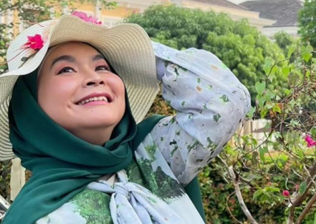 Ulfa Dwiyanti Komedian Perempuan Top Era 1990-an, Begini Kehidupannya Sekarang