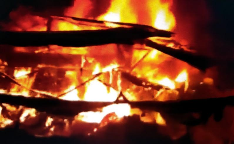 Pasar Janglot Sragen Ludes Terbakar, Kerugian Ditaksir Rp4,1 Miliar