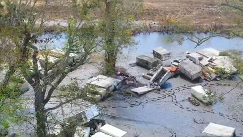 Terseret Banjir, Peti Mati Berisi Jasad Terdampar di Kebun Warga