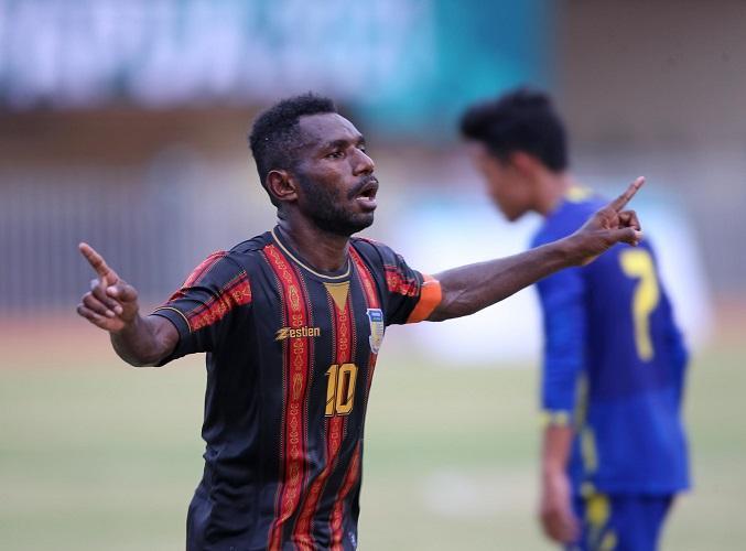 Sepak Bola Putra PON Papua 2021: Papua Bantai Juara Bertahan Jabar, Jatim Lumat Sulsel