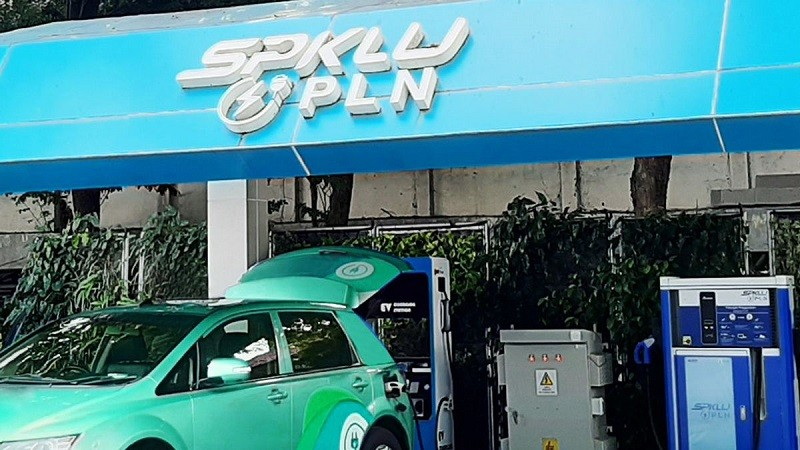 PLN Bangun Stasiun Pengisian Kendaraan Listrik Umum Pertama di Sulawesi Tengah