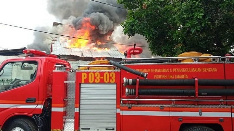 Rumah Warga di Kawasan Menteng Jakarta Pusat Ludes Terbakar