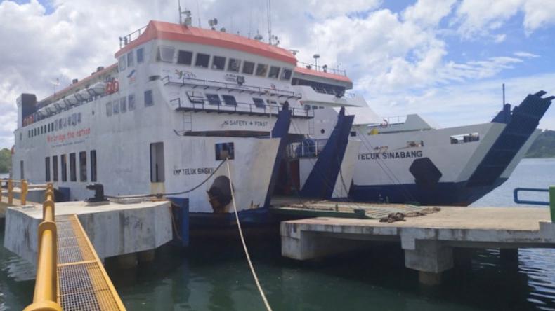Cuaca Buruk dan Gelombang Tinggi, Kapal Tujuan Meulaboh Batal Berangkat