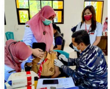Ribuan Pelajar di Pasuruan Antusias Ikuti Vaksinasi Covid-19