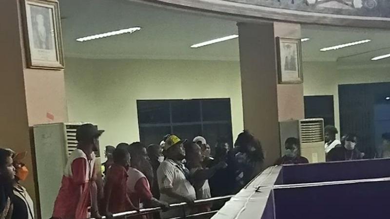 Atlet Angkat Besi Papua Mengamuk ke Wasit karena Selisih Berat Badan