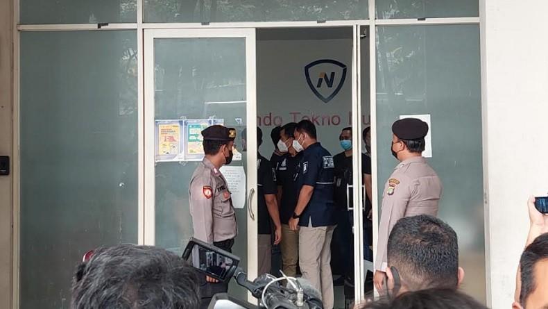 Polisi Gerebek Perusahaan Pinjol di Tangerang, Manajer Utama Turut Diamankan