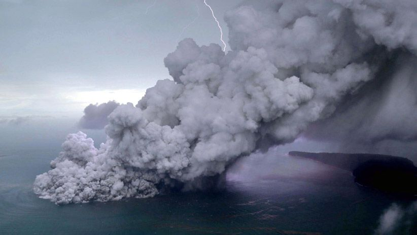 Penampakan dari Udara Letusan Gunung Anak Krakatau