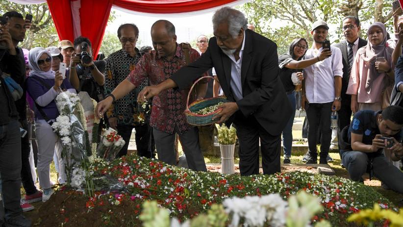 Xanana Gusmao Ziarah ke Makam BJ Habibie