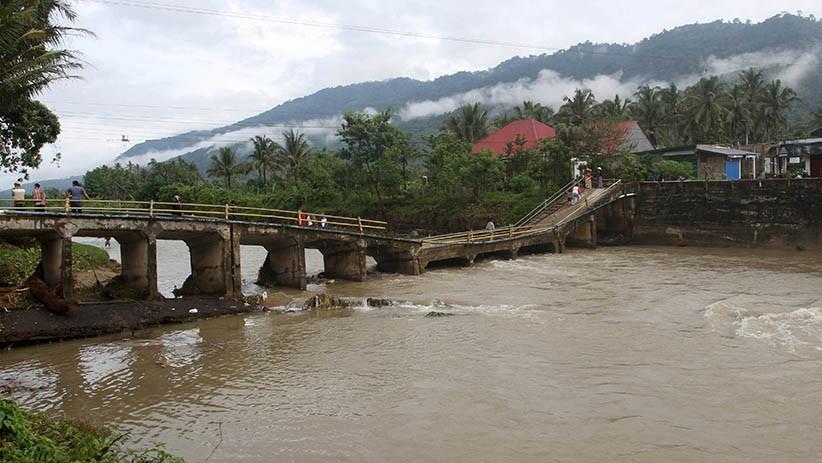 Tak Pernah Diperbaiki, Jembatan Berusia Puluhan Tahun di OKU Nyaris Roboh