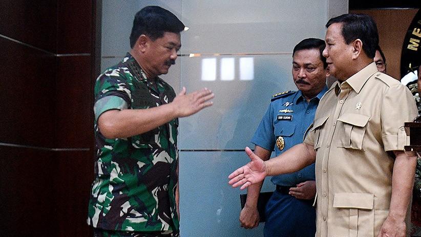 Menhan Prabowo dan Panglima TNI Bahas Natuna dengan Komisi I DPR